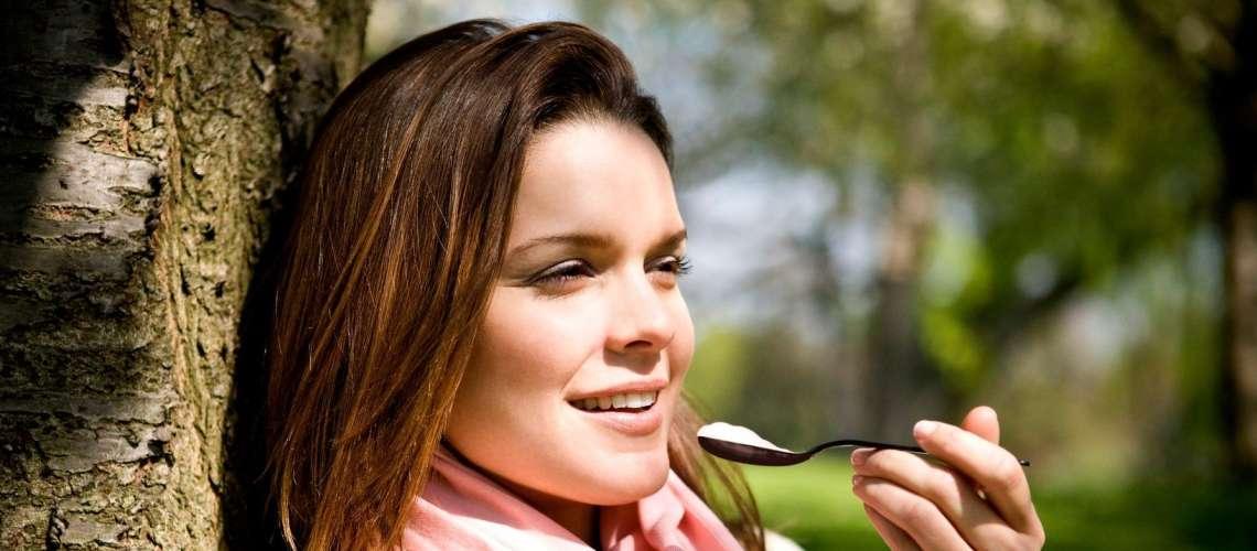 Kilograme lahko izgubite tudi brez diete in stradanja!