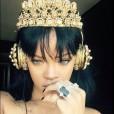 Rihanna s slušalkami, ki so povzročile razprodajo.