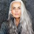 Ni nujno, da sivino skrivate. Še zdaleč ne, kajti novi lepotni trendi pozdravljajo sivo barvo v laseh.