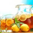 Pripravite si zdravo osevžilno pijačo in domačih zelišč.