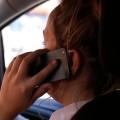 telefoniranje, voznik, avto, med vožnjo