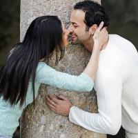 ljubezen partnerja drevo, poljub,