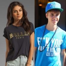 Majice z napisi so IN med mnogimi slavnimi.