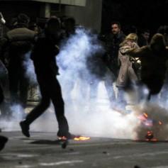 Na Kosovu spopadi med protestniki in policijo
