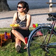 čips kolo dekle