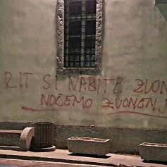 Grafit na cerkvi v Kobaridu je že drugi v enem letu