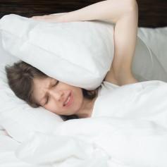 vzglavnik, spanje, postelja, ženska, glavobol