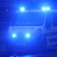 policija, kombi, modra luč