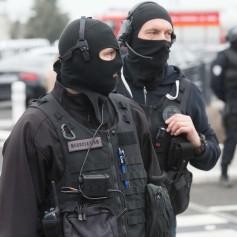 terorizem letališče francija orly 2