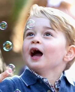 Princ George v šoli: mučne razmere, staršem zaprli usta!