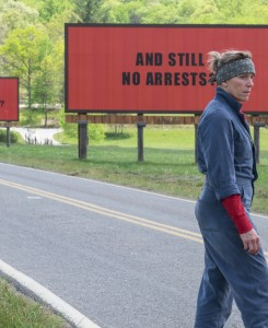 Trije plakati pred mestom: na film so se usule kritike