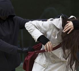 napad, ropar, tatvina, torbica, ženska
