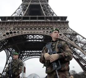 pariz francija vojska terorizem terorist (18)