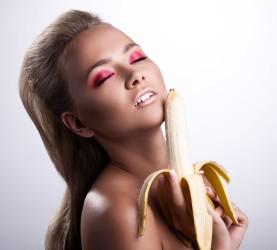 banana, ženska