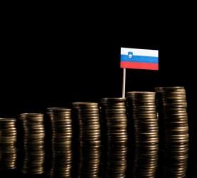slovenija-gospodarstvo-evri-ekonomija-denar_pf