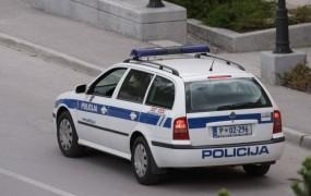 Mladoletni divjak z BMW-jem norel po Mariboru