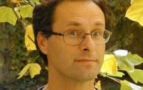 Profesor Filozofske fakultete dr. Miran Hladnik na forumu Slovlit o zasedbi fakultete