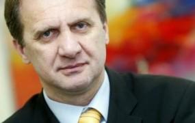 Ivan Simič bi dvignil DDV