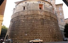 Posli Svetega sedeža: Vatikanska banka lani več kot podvojila dobiček