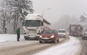Kdo je kriv za petkov kaos na cestah?