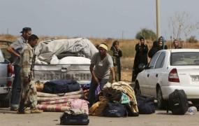 Tisoči na begu iz Gadafijeve trdnjave