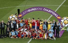Španija prepričljivo do še enega naslova prvaka