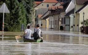 Naraščanje rek po dežju se počasi umirja