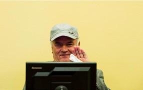 Ratko Mladić haaško sodišče obtožuje pristranskosti