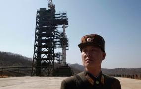 Severna Koreja naj bi zamenjala del rakete