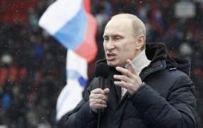 Putin snubi mladino, ki gre prvič na volitve; zmagal naj bi že v prvem krogu