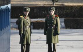 Severnokorejski vojak ubil častnika, nato pa prebegnil čez mejo