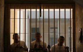 Severna Koreja Američana obsodila na 15 let prisilnega dela