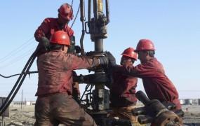 Iran grozi z ustavitvijo izvoza nafte v EU