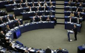 Evropski parlament še naprej grozi z vetom na proračun EU