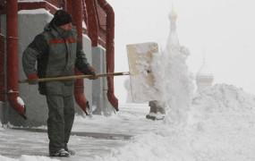 Sneg povzroča težave v Rusiji in Ukrajini