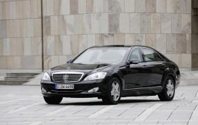 Mercedes svojih limuzin ne bo prodajal korumpiranim kosovskim oblastem