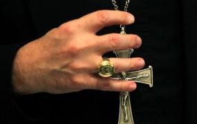 Cerkev v Avstraliji plačala 276 milijonov dolarjev žrtvam zlorab