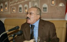 Jemenski diktator Saleh bo po 35 letih odstopil