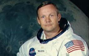 Umrl je Neil Armstrong, prvi človek na Luni