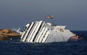 Kapitan Schettino naj ne bi dal ukaza za evakuacijo Costa Concordie