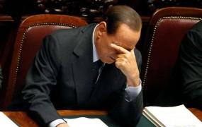 Berlusconi bo moral iti po zaupnico v parlament