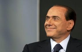 Berlusconi bo privržence peljal na križarjenje po Sredozemlju