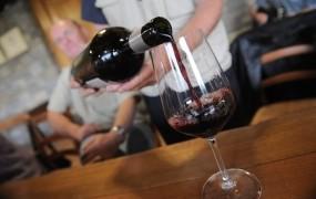 V minulem tržnem letu Slovenec v povprečju popil 39 litrov vina