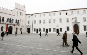 Samovoljna odpoved naj bi Univerzo na Primorskem stala 50 tisočakov