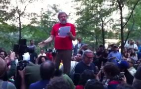 Marksist Žižek je okupiral Wall Street, napadel laži ameriškega kapitalizma