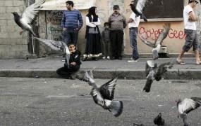 Francija nadaljuje izgon Romov