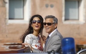 George in Amal Clooney bosta zibala dvojčka