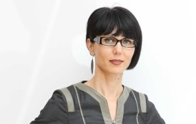 Maja Sunčič: Kako je Janša hvalil Kučana