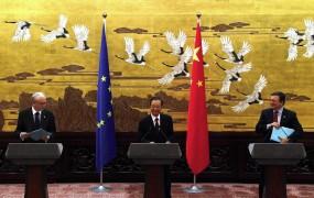 Bodo Kitajci reševali evro?
