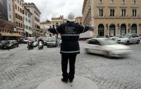 Sramota: 83 odstotkov rimskih policajev za silvestrovo na bolniški